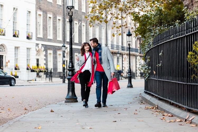 اقامت دائم با ویزای نامزدی در انگلستان