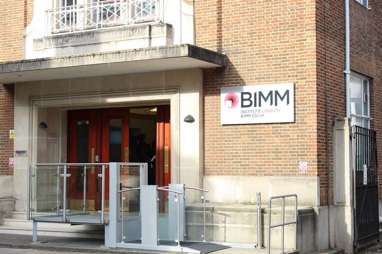 کالج bimm در انگلستان