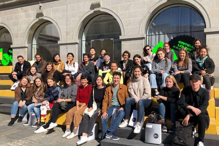 عکس از دانشجویان دانشگاه هنر لینز