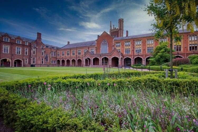 دانشگاه کویینز بلفاست