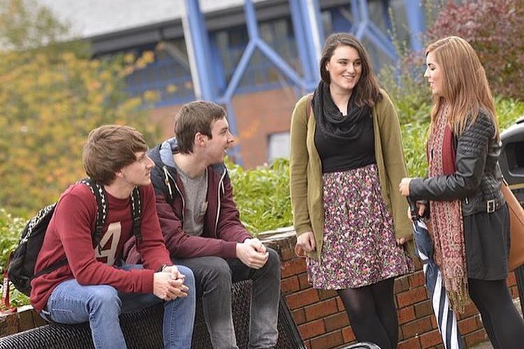 عکس دانشجویان دانشگاه اولستر ایرلند
