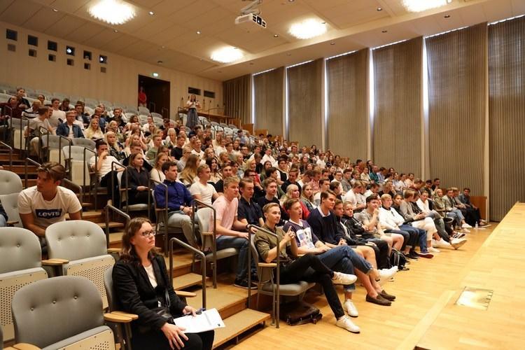عکس کلاس های دانشگاه اقتصاد هنکن فنلاند
