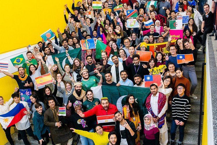 عکس دانشجویان بین المللی دانشگاه اولو