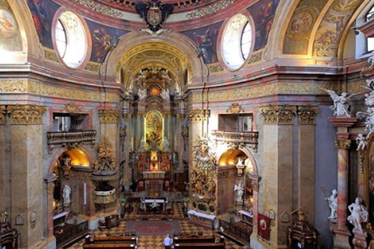سرداب پادشاهی و کلیسای Capuchin